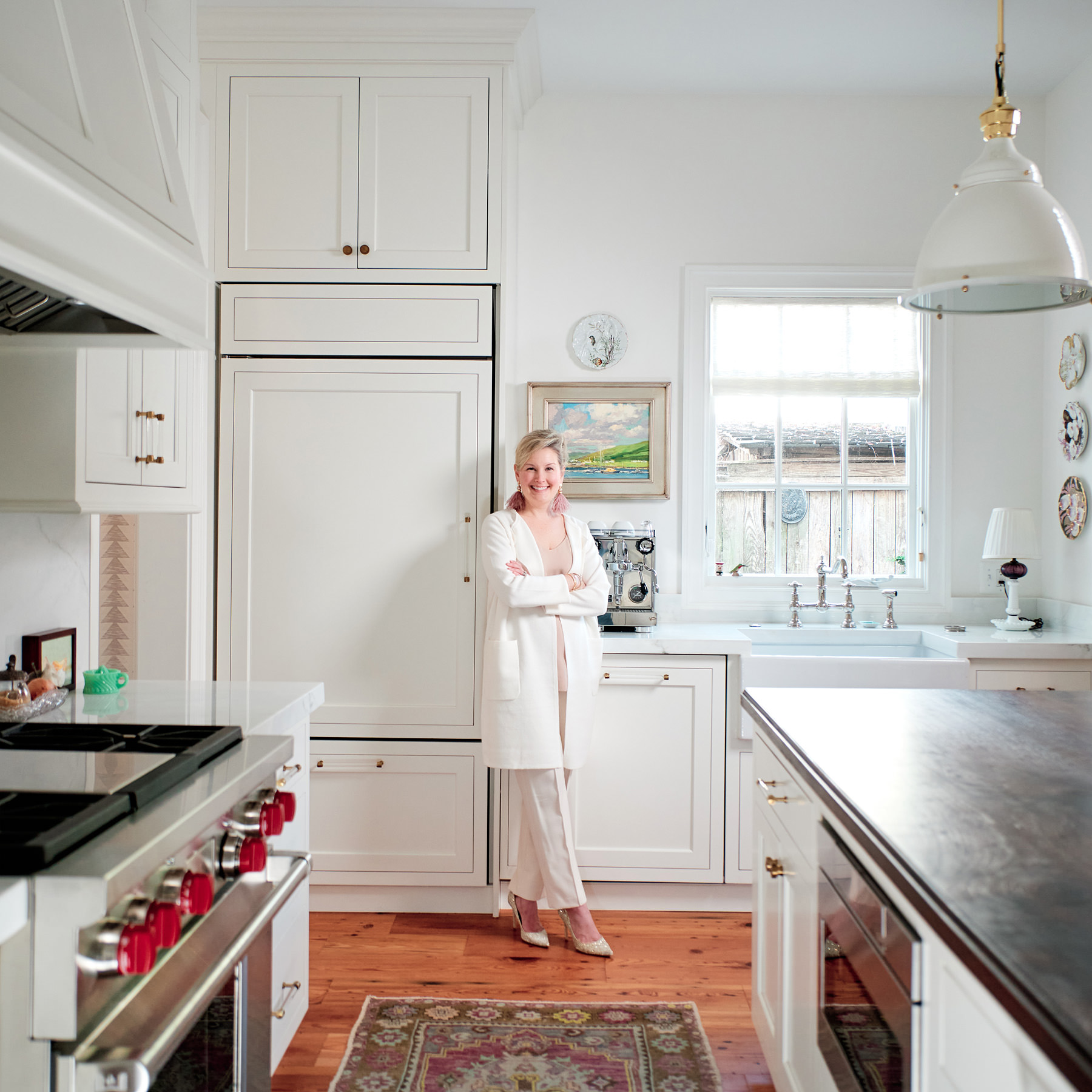 eli-turner-photography-woman-kitchen-interior-portrait-lauren2